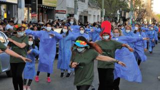 Un festival de emociones en las calles de Santa Rosa